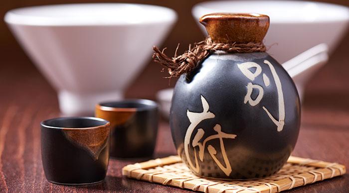 Japanese Sake Set in Bar Plat Tokyo